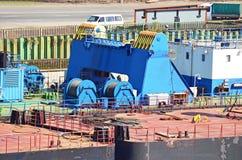 Ворот кабеля плавучего крана стоковая фотография