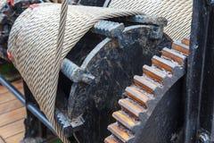 Ворот стальной веревочки корабля стоковая фотография rf