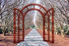 Ворот через деревья стоковое фото