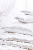 ворох pillows окно стоковая фотография rf