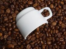 ворох s кофейной чашки фасоли Стоковая Фотография
