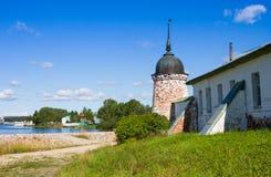 Воскресение Христоса церков и собора святой троицы на монастыре Goritsy зоны Vologda воскресения Стоковые Фотографии RF