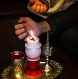 Воск свечи Havdalah Еврейская церемония в субботу ночью Стоковое Изображение RF