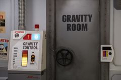 Воспроизводство комнаты тренировки силы тяжести Vegeta шарика дракона супер и управление в тематическом парке J-мира внутри к стоковая фотография