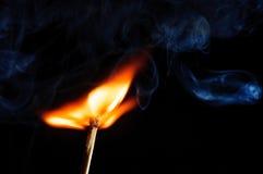 Воспламененная спичка и дунутый с спички Стоковое Изображение RF