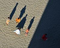 Воссоздание туристов на побережье Чёрного моря пляжа Mamaia Стоковое фото RF