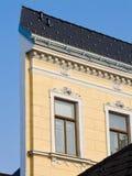 восстанавливанная узкая часть дома фасада стоковые изображения