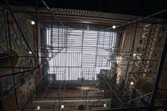 Восстановление стен средневекового замка стоковое изображение rf