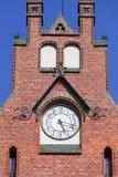 Восстановленный фасад старого здания средних старших классов средней школы, Wroclaw, Польши Стоковые Фото