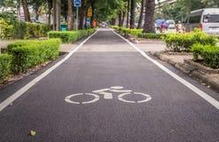 Восстановленная майна велосипеда которая вдоль скоростной дороги Indra Ram Стоковое Изображение