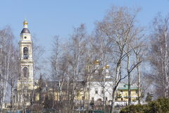 Восстановленная православная церков церковь в близко пригородах Стоковые Изображения RF