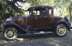 Восстановленный классикой античный автомобиль Форда Стоковая Фотография