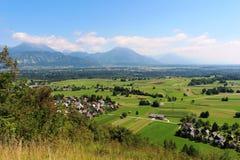 Восток от Straza, кровоточенного к долине и горам Стоковые Изображения