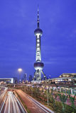Восточная башня на ноче, Шанхай жемчуга, Китай Стоковая Фотография