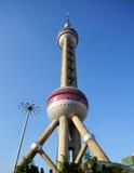 Восточная башня Perl в Шанхае стоковые изображения