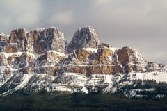 Восточная половина горы замка, Banff, Альберты стоковое фото rf