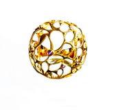 Восточные турецкие кольца золота handmade на белой предпосылке Стоковое Фото