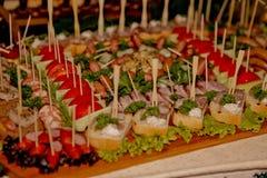 Восхитительная таблица с закусками, казацкая таблица свадьбы Стоковое Изображение RF