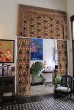 Восхитительно украшенное лобби гостиницы стоковые изображения rf