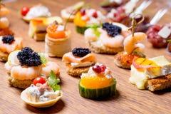 Восхитительный выбор роскошной закуски стоковые фотографии rf