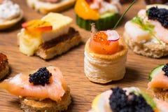 Восхитительный выбор роскошной закуски стоковое фото rf
