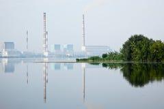 восходящий поток теплого воздуха электростанции Стоковая Фотография RF
