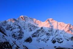 восход солнца высоких гор Стоковое Изображение