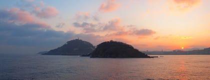 Восход солнца в заливе Concha La, Donostia. Стоковое Изображение