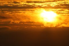 Восход солнца в Vang Vieng, Лаосе стоковое фото rf