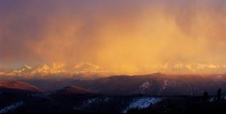 восход солнца горы Стоковые Изображения