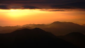 восход солнца гор стоковое изображение rf