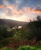 Восход солнца над водой Rydal в заречье озера стоковое изображение