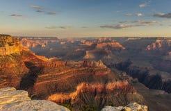 Восход солнца над грандиозным каньоном Стоковые Изображения