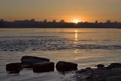 Восход солнца над Обью в Новосибирске стоковое фото