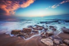 Восход солнца над пляжем стоковые фотографии rf
