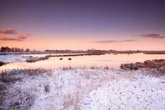 Восход солнца над рекой в зиме Стоковые Фотографии RF