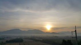 Восход солнца над холмами Стоковая Фотография RF