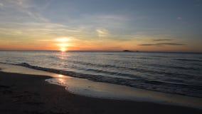Восход солнца на видео пляжа сток-видео
