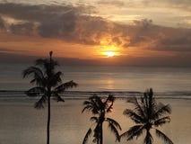 Восход солнца на гостинице пляжа sanur inna Стоковое фото RF