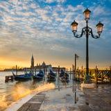 Восход солнца на грандиозном канале в Венеции, Италии Стоковые Фото
