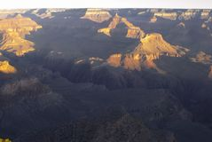 Восход солнца на гранд-каньоне, южная оправа, AZ Стоковое Фото