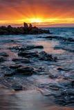 Восход солнца на заливе Opollo, большей дороге океана, Виктория, Австралии стоковое фото rf