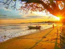 Восход солнца на Lovina стоковая фотография rf