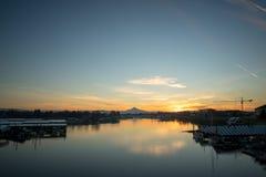 Восход солнца Рекы Колумбия клобука Портленда Орегона Mt Стоковое Изображение