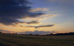Восход солнца светлое небо вероисповедание jesus рая предпосылки Стоковые Изображения