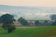 восход солнца сельскохозяйствення угодье Стоковые Изображения RF