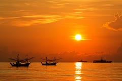 восход солнца Таиланд рыболовства шлюпки Стоковые Фото