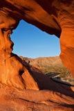 восход солнца утеса mojave пустыни свода естественный красный Стоковые Изображения