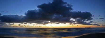 восход солнца panorma пляжа Стоковые Фотографии RF