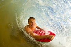 Восхождение на борт тела молодого человека Стоковые Фото